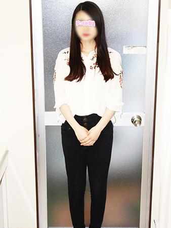 新宿手コキ&オナクラ・手コキ研修塾 椎名まい